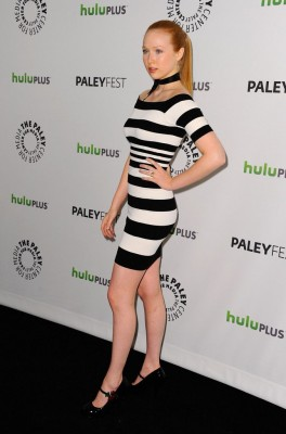 molly-quinn-tight-dresses.jpg