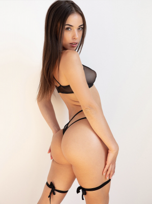 Anastasia Brokelyn.png
